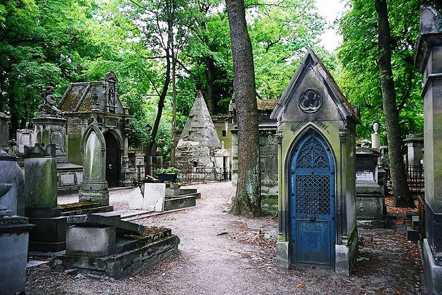 Pere Lachaise Cemetery : pere la chaise - Sectionals, Sofas & Couches